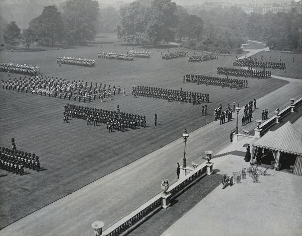 1910, buckingham palace, Album 36, Grenadiers1671