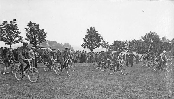 battalion sports, july 1909, slow bicycle race, Album 31, Grenadiers1282