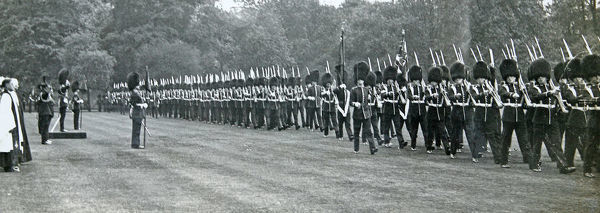 presentation of new colours, 25 may, 1938, Album 124, Grenadiers3308