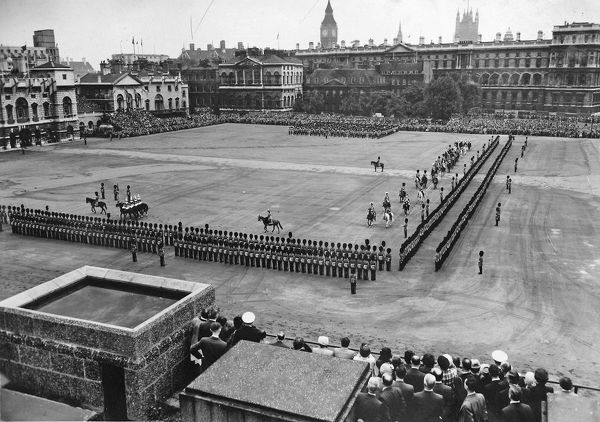 trooping the colour, 1953, Album 104, Grenadiers3151