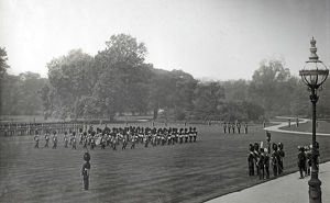 1910 buckingham palace royal review