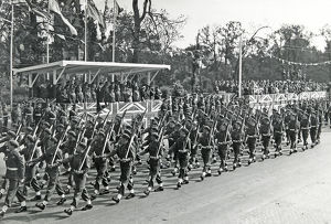 1st battalion march past berlin victory parade