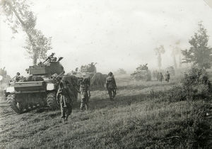 2nd battalion sherman tanks advancing towards caen
