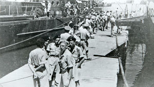 6th battalion embarking at tripoli for invasion of italy