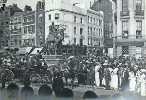 duke of cambridge unveiling gordon statue