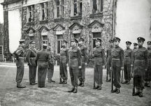 general guillame french army inspects 2nd battalion guard of honour