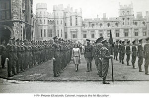 hrh pricess elizabeth inspects the 1st battalion