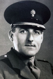 lt col e russell