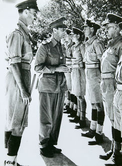 co lt col gordon lennox hm king george vi lt tony garton