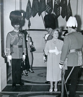 remembrance day 1949 hrh queen elizabeth