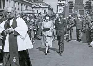 remembrance day parade july 1949 hrh princess elizabeth
